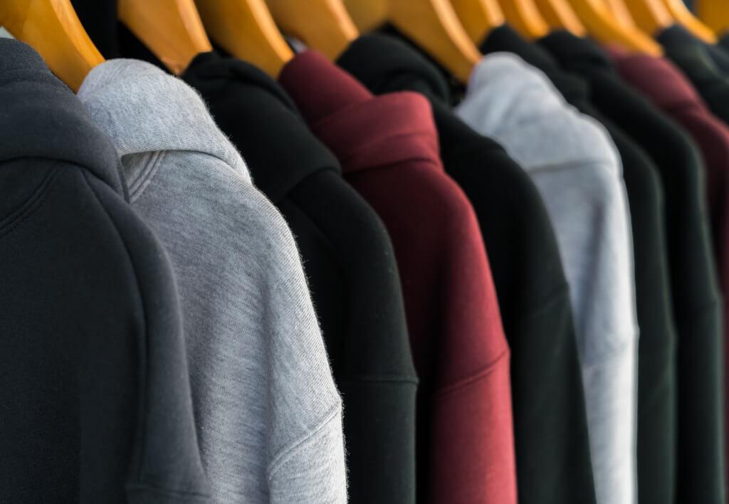 Consejos para transportar ropa en una mudanza